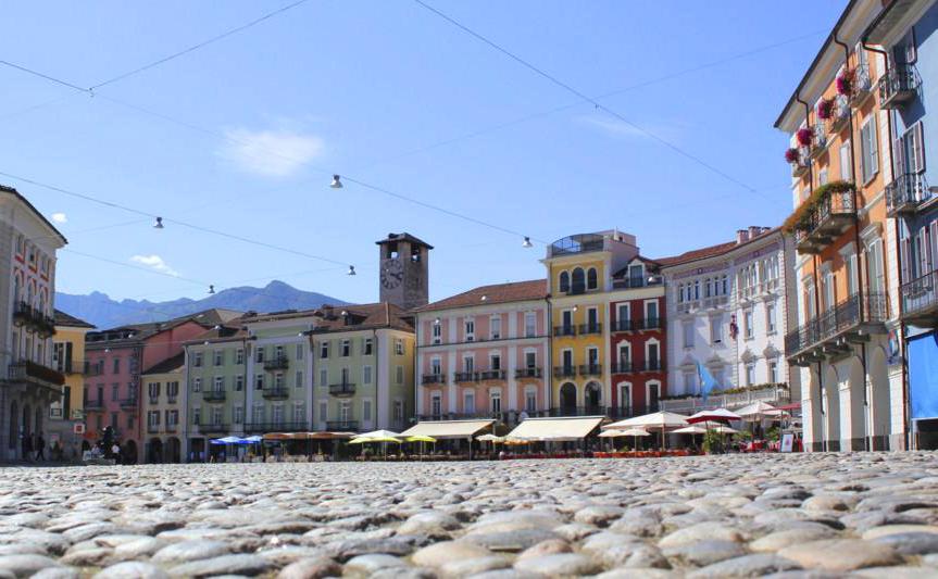 1_xlocarno-piazza-grande-1401-0.jpg.pagespeed.ic.QjCZA3HFBw