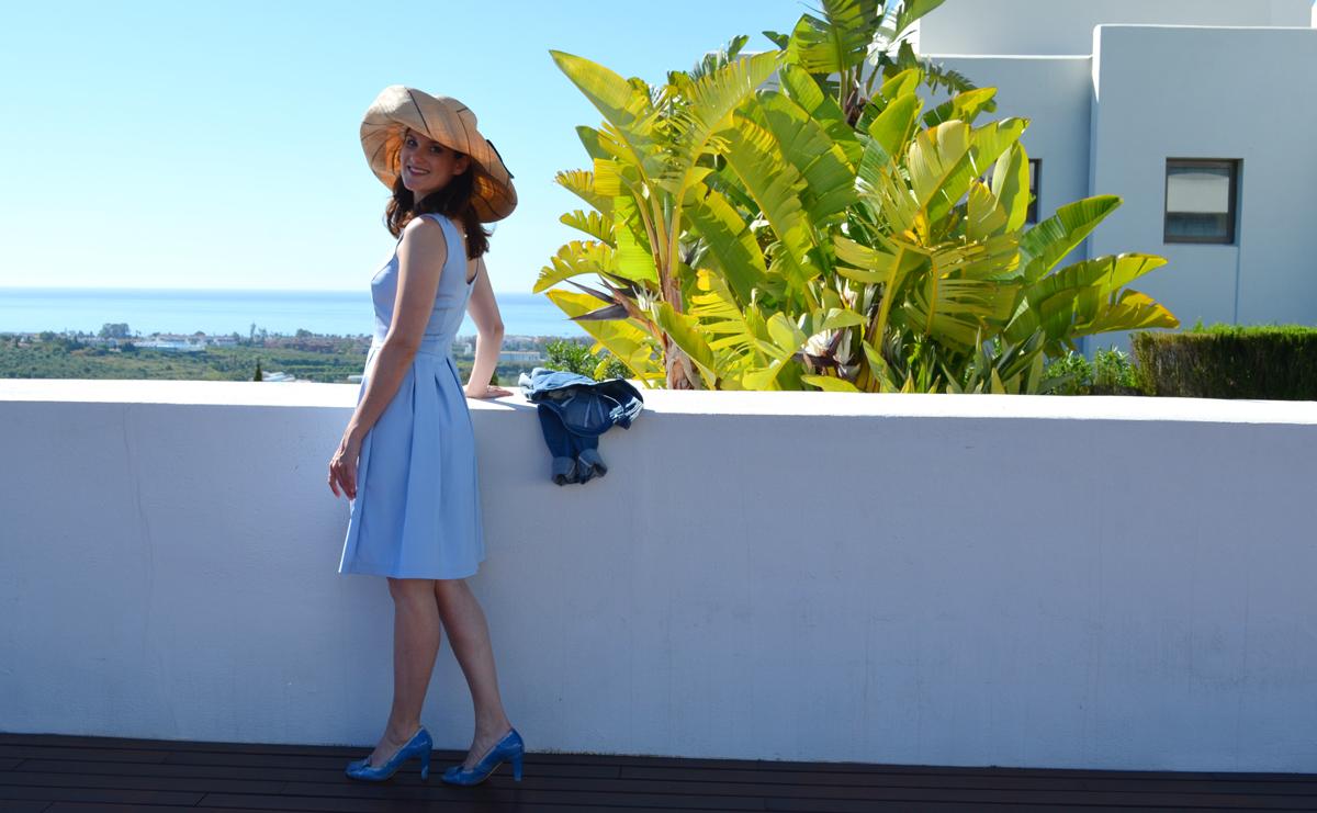 Marbella-blau_Hut_07