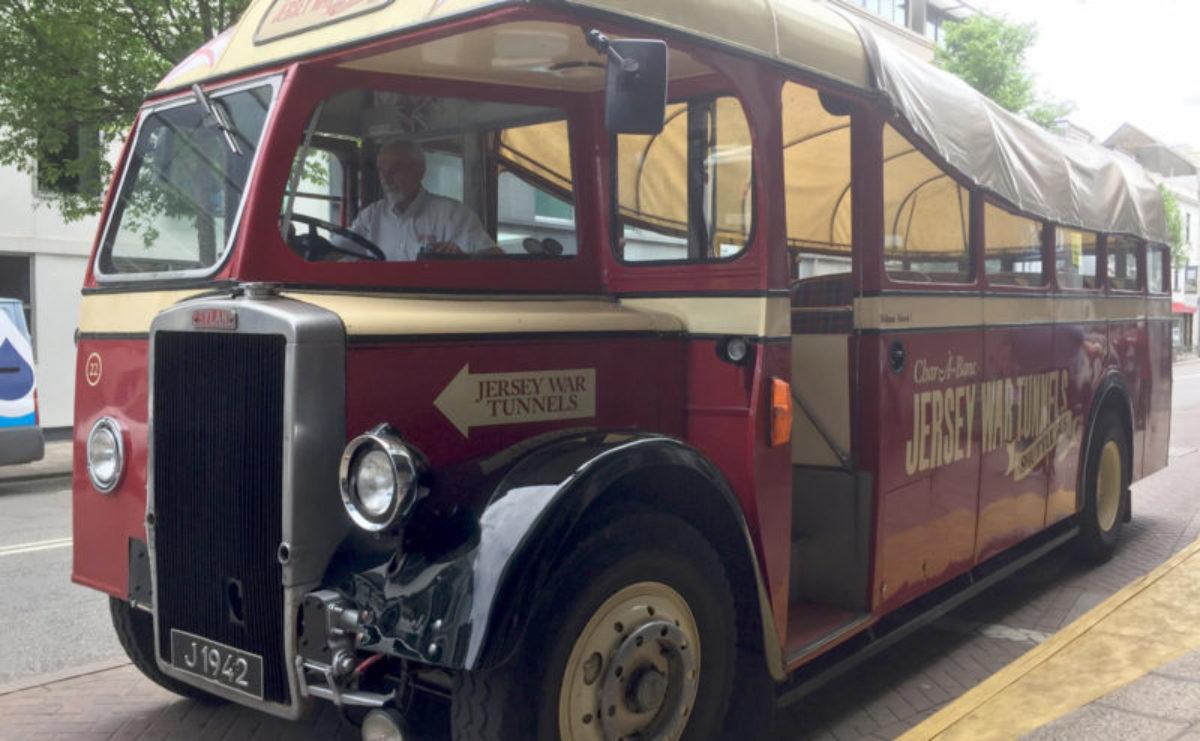Touristen-Bus von St Hélier